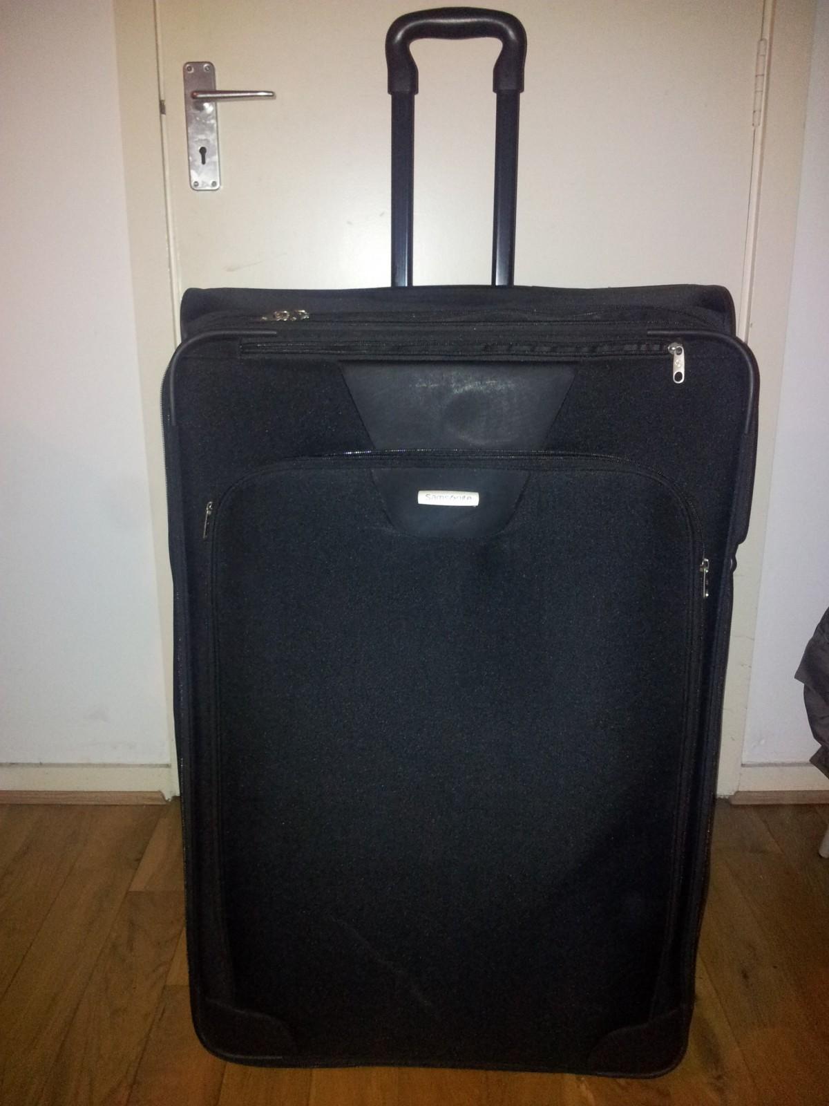 Large Samsonite suitcase - Holiday / Camping - Islandbridge (Dublin 8)