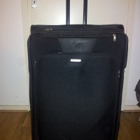 Large Samsonite suitcase